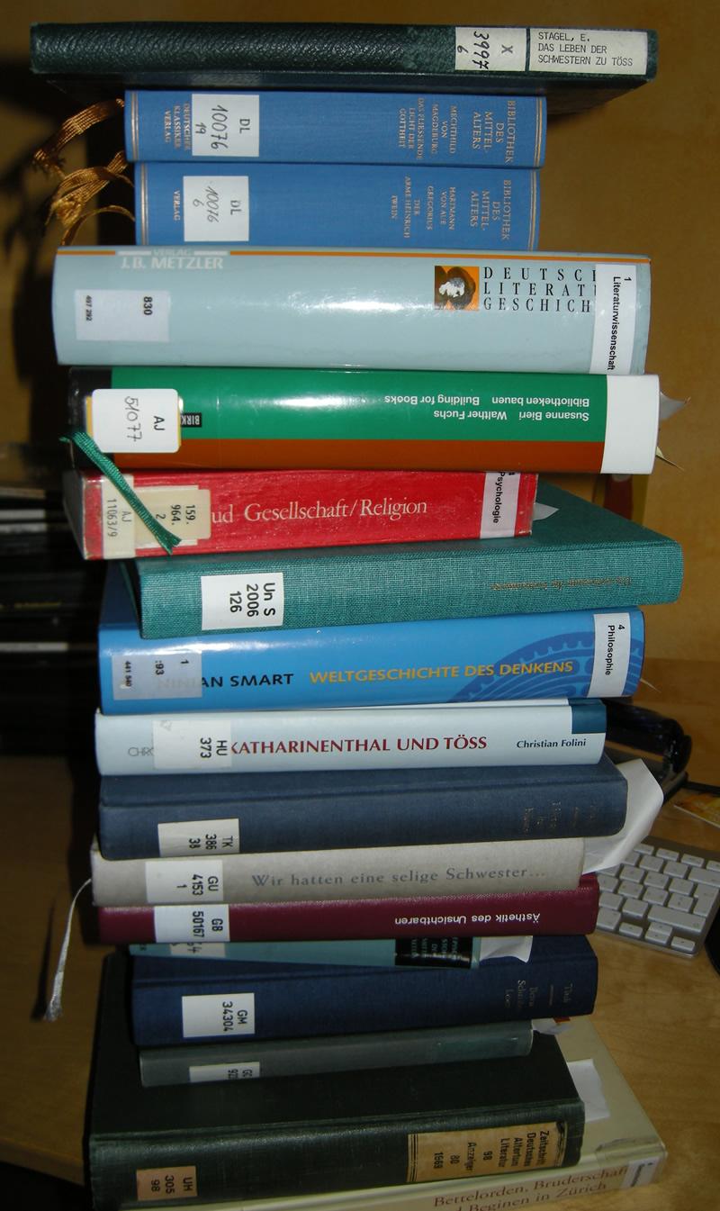 bibliotheksbuecher_kl.jpg